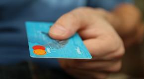 Un commerçant ou prestataire peut-il refuser le paiement par chèque ou carte bancaire ?