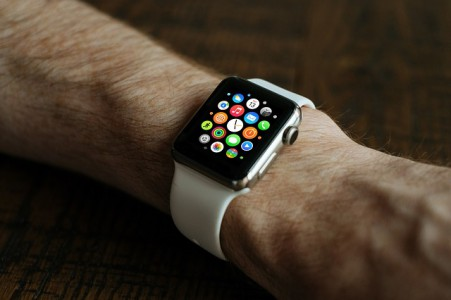 montres-connectees-apple-watch-series-2