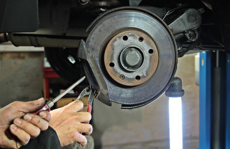 professionnels-automobile-pieces-occasion-entretien-reparation