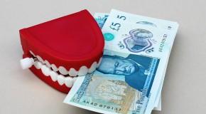 La banque ferme le compte d'une cliente au « comportement répréhensible »
