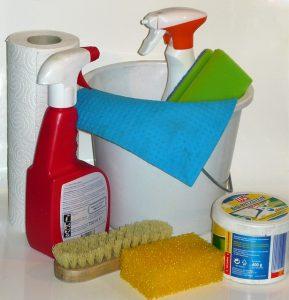 toxicite-produits-entretien-sprays-assainissants-ufc-que-choisir