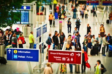 frais-enregistrement-aeroport-attention
