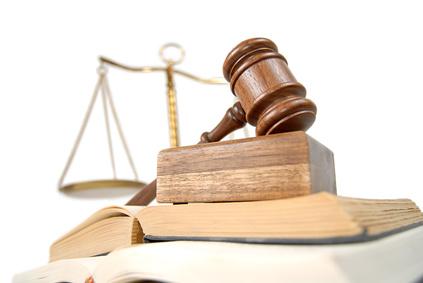 contrat-de-travail-justice-prolongation-cdd-attente-requalification-cdi