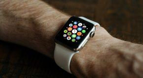 Apple Watch Series 4. Elle surveille votre cœur et détecte les chutes