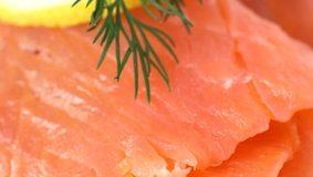 Contaminants dans le saumon fumé. Les labels ont encore des progrès à faire