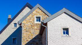 Condamnée à raser sa maison qui fait de l'ombre à sa voisine