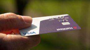 Carte bancaire : comment activer ou désactiver le sans contact ?