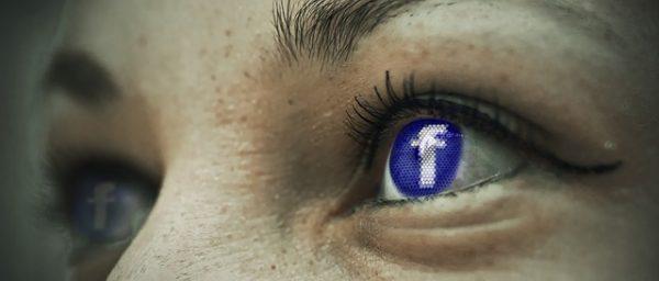 #Facebook carte de localisation espionnage déplacements itinéraires
