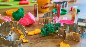 Les autorités sanitaires alertent sur les dangers du «slime», cette pâte fluo à faire soi-même que les enfants adorent