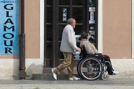 #Accès handicapés #loi Elan #lobbys du bâtiment
