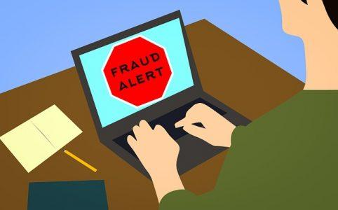 # alerte danger Arnaques internet faussaires du Web