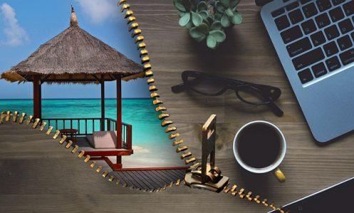 # SMS mails appels salarié patron vacances