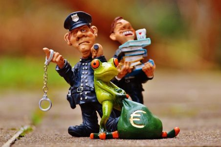 # alerte danger Arnaque financières